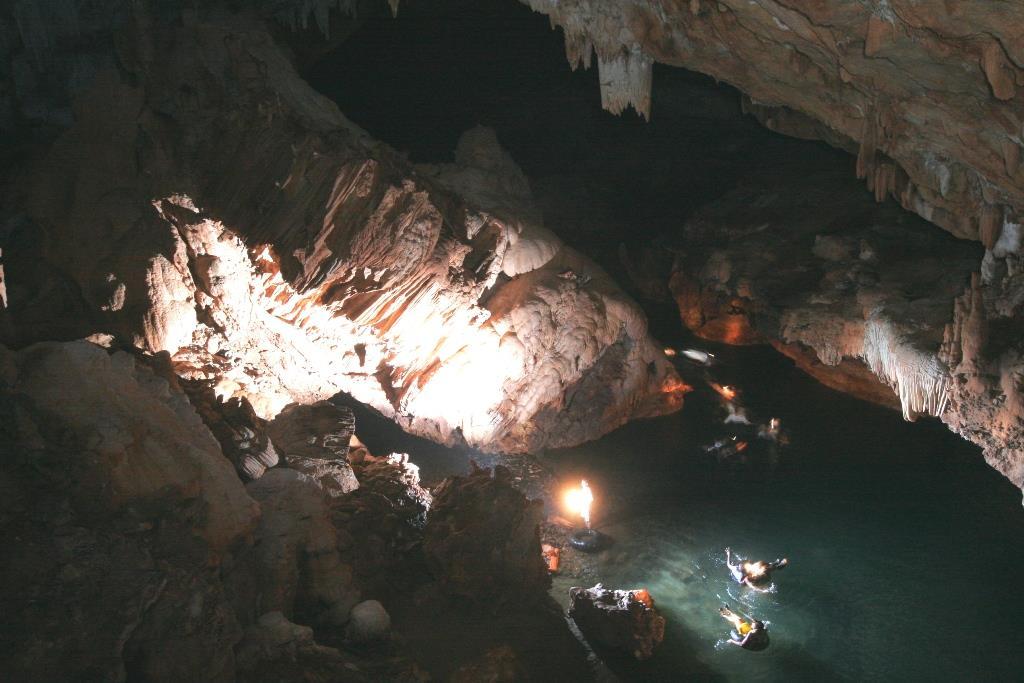 Belize Jungle Lodge: Caves, Rivers & Rooms