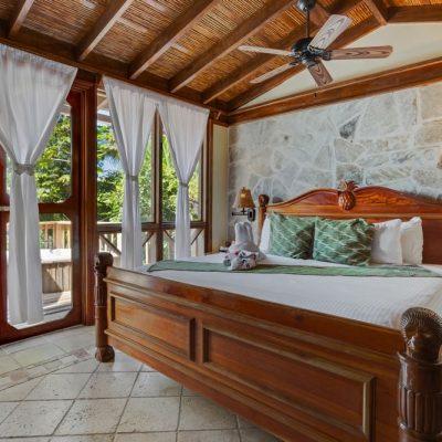 Belize jungle lodge