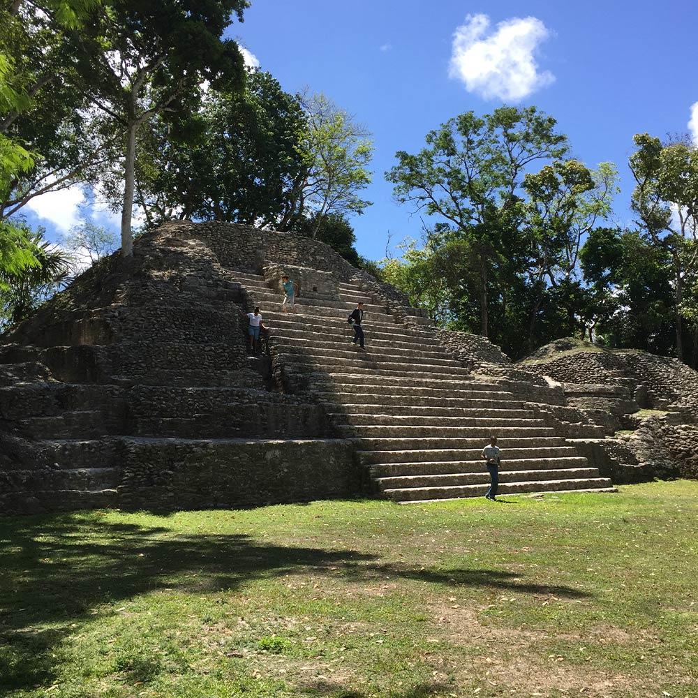 Belize Maya Ruin Tours - Cahal Pech