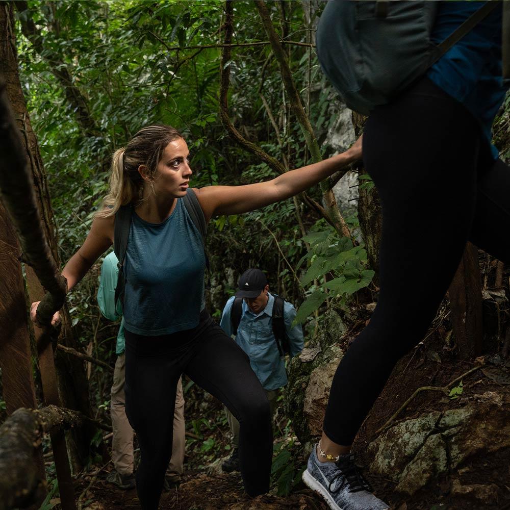 Best Belize Tours hiking