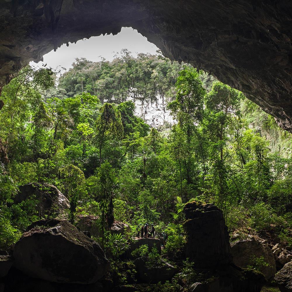 Best Belize Tours caving